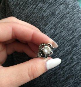 Серебрянные серьги с феанитом