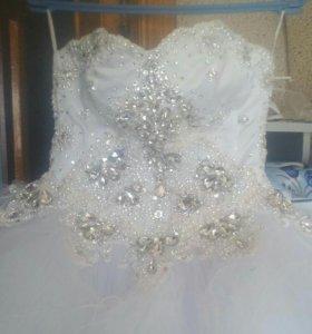 Продаю свадебное платье.покупали в салоне за дорог