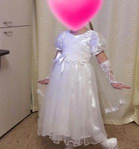 праздничное платье на 3 -4 года.