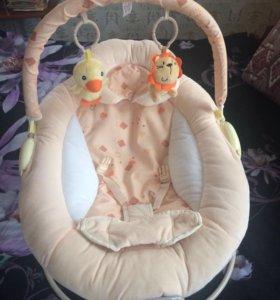 Шезлонг для новорождённых