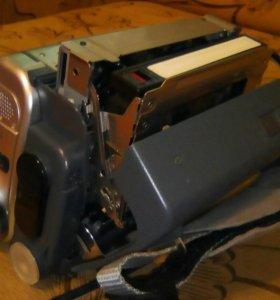 Продается Sony DCR-TRV255E