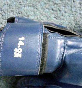 Новые перчатки для бокса