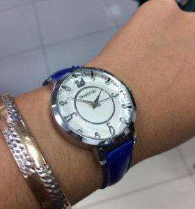 Часы SWAROVSKI