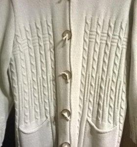 Теплое вязаное пальто