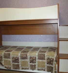 кровать 2х ярустная с полкой-лестницей