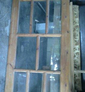 Продаю деревянную дверь с коробкой