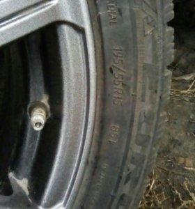Продам колеса на ваз r15 накаченые не спускают