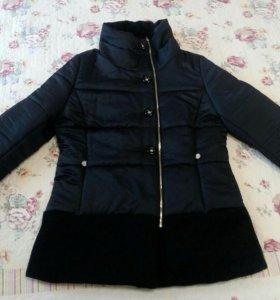 Куртка теплая в отличном состоянии