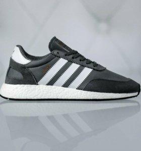 Кроссовки Adidas, новые