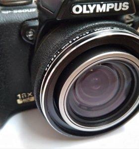 Цифровой фотоаппарат Olympus SP-560 UZ