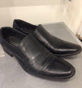Мужские туфли р.40