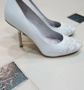 Свадебные туфли фирмы Blossem
