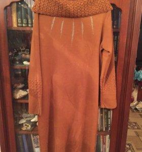 Платье нарядное шерстяное