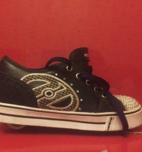 Кроссовки на колесиках heelys