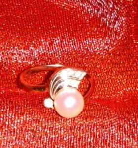 Кольцо золото 585 р.16
