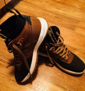 Зимние/демисезонные кроссовки Nike