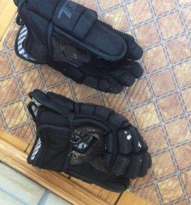Хоккейные перчатки ( краги)