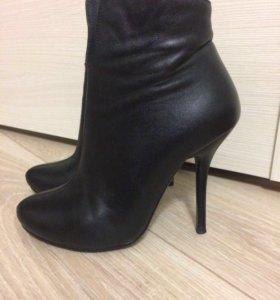 Женские ботинки 33 размер