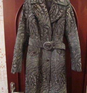 Пальто демисезонное, р.44-46