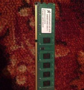 Оперативная память 2GB DDR3