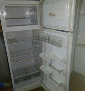 Продаю  холодильники