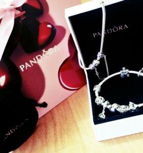 Продам браслет Pandora с подвесками той же фирмы