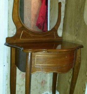Столик с зеркалом