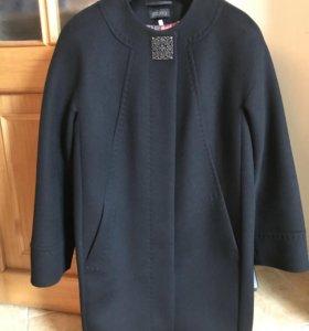 Пальто демисезонное р. 46