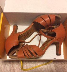 Туфли для танцев FOX