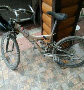 """Подростковый велосипед """"Lexus"""" со шлемом."""