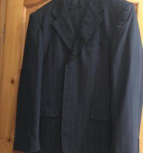 Новый костюм размер 50 без этикетки