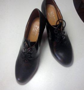 Туфли ( ботинки ) женские