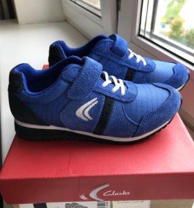 Clarks новые детские кроссовки