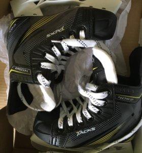 Хокейные коньки новые детские полупрофессиональные