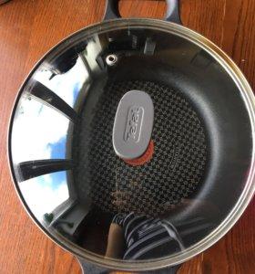 Сотейник Tefal Titanium для индукционной плиты