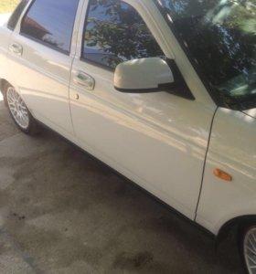 Автомобиль Лада- Приора