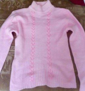 Продам женский свитер.