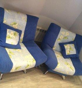 Два кресла со съемными чехлами