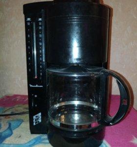 Кофеварка Mulinex.