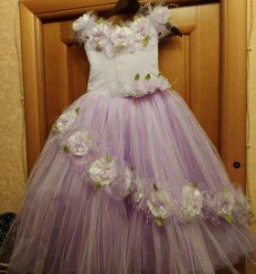 Нарядное платье от 7 лет