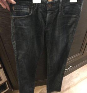 Продаю мужские джинсы Boss оригинал