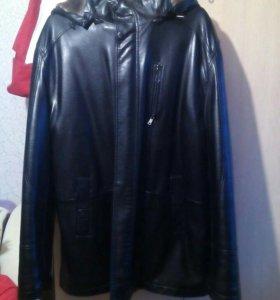 Кожаная куртка зимняя мужская с капюшоном 56 р-р
