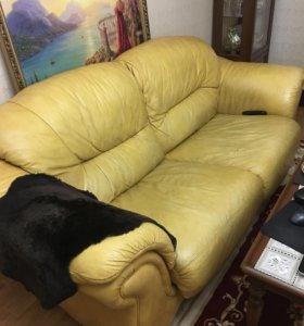 Диван и 2 кресла из натуральной кожи