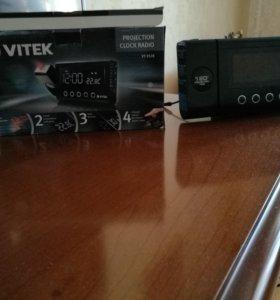 Радиочасы с проектором Vitek