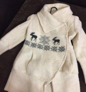 Стильное и модное пальто из натуральной шерсти