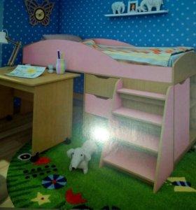 Детская кровать+ шкафчик и стол