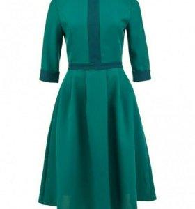 Новое изумрудное платье LuAnn, 46, приталенное