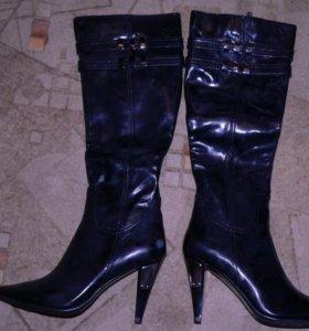 Кожаные женские сапоги. Новые