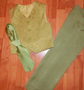 Нарядный комплект (брюки и жилет с галстуком)