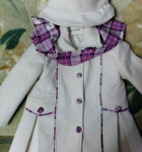 Пальто на девочку трех лет